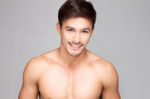 Mister International Neil Perez si Prahu zamiloval