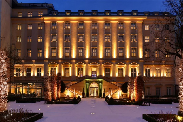 Pozor nov prava jm na hotelu the mark luxury hotel for Luxury hotels prague